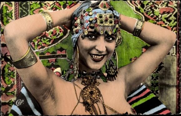 Ak Beaute Arabe, La Danseuse aux Bijoux, Tänzerin, Schmuck