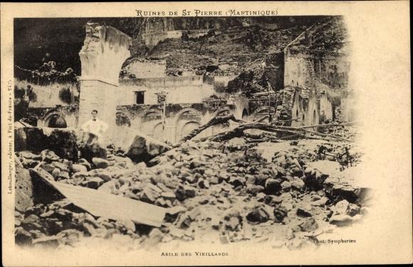 Ak St. Pierre Martinique, Ruinen nach Vulkanausbruch 1902, Asile des Vieillards