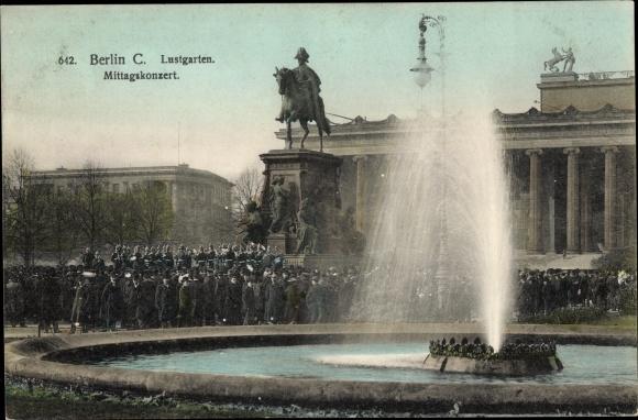 Ak Berlin Mitte, Lustgarten, Reiterdenkmal, Mittagskonzert