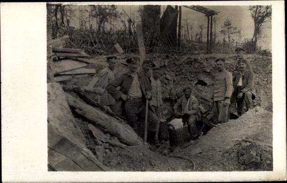 Foto Ak Deutsche Soldaten, Gruppenfoto, I. WK