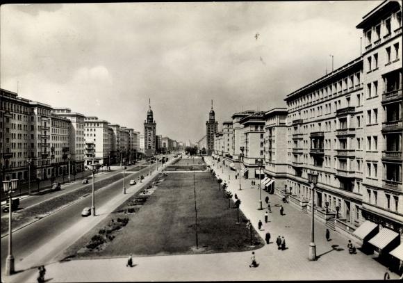 Ak Berlin Friedrichshain, Stalinallee, Blick nach Westen