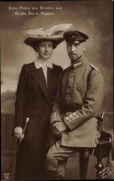 Ak Oskar Prinz von Preußen, Gräfin Ina v. Ruppin, Portrait, Uniform, Hut