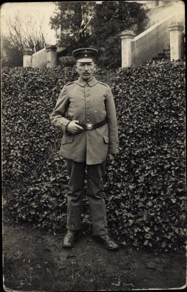 Foto Ak Dt. Soldat, Portrait, Uniform