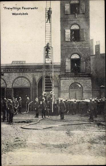 Ak Hamburg Wandsbek, Freiwillige Feuerwehr, Übungsgelände, Leiter, Turm, Rettungstuch