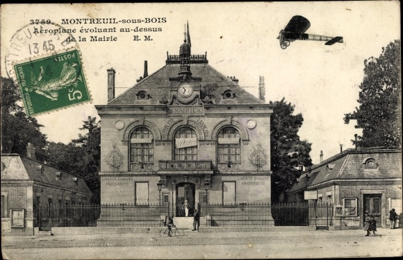 Ak Montreuil Seine Saint Denis, Aéroplnae évoluant au dessus de la Marie
