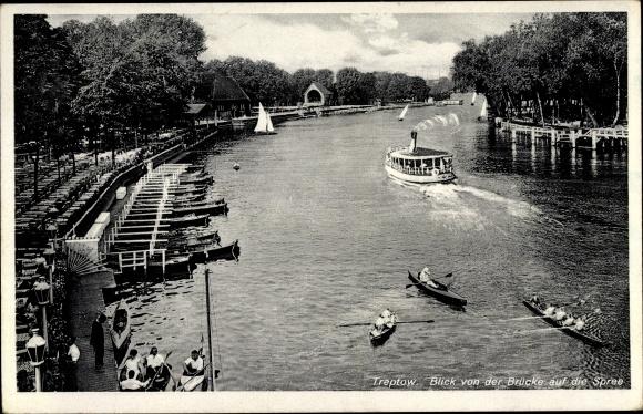 Ak Alt Berlin Treptow, Blick von der Brücke auf die Spree, Ruderboote, Dampfer, Anlegestelle