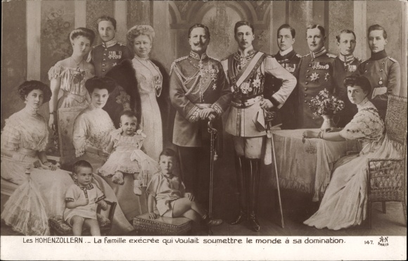 Ak Les Hohenzollern, la famille qui voulait soumettre le monde a sa domination, Kaiserliche Familie