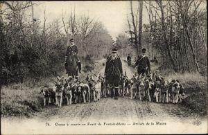 Ak Chasse à courre en Foret de Fontainebleau, Arrivée de la Meute, Hetzjagd