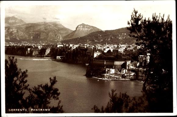 Ak Sorrento Campania, Panorama, Blick zum Ort