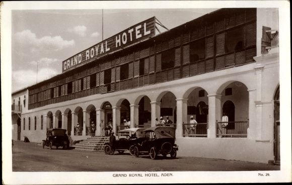 Ak Aden Jemen, Grand Royal Hotel, Automobile