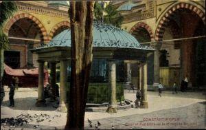 Ak Istanbul Konstantinopel Türkei, Cour et Fontaine de la Mosquée Bayazid