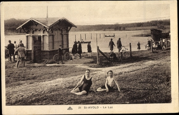 Ak Saint Avold Moselle, Le Lac, See, Männer in Badekleidung, Fahrräder