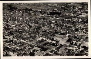 Ak Regensburg an der Donau Oberpfalz, Totalansicht von Südosten, Dom, Fliegeraufnahme