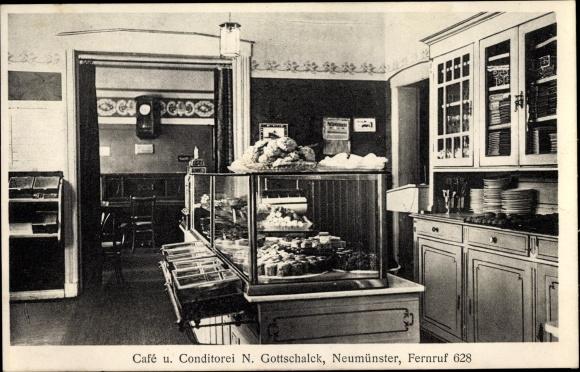 Ak Neumünster in Schleswig Holstein, Café N. Gottschalk, Innenansicht, Tresen, Backwaren