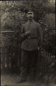 Foto Ak Dt. Soldat, Uniform, Portrait, Zigarre