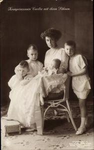 Ak Kronprinzessin Cecilie von Preußen mit ihren Söhnen, NPG VI