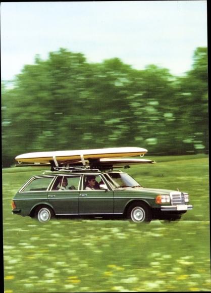 Ak Automobil, grüner Mercedes Benz 300 TD, Surfbrett