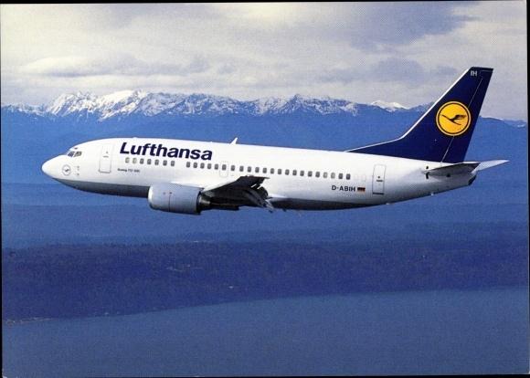 Ak Deutsches Passagierflugzeug, Lufthansa Boeing 737-500, Berge