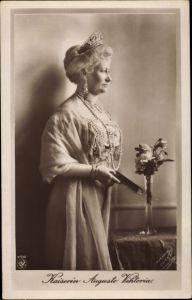 Ak Kaiserin Auguste Viktoria, Portrait, Perlenkette, NPG 4510