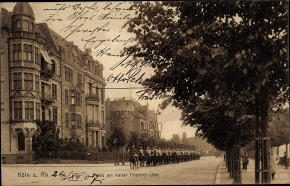 Ak Köln am Rhein, Partie am Kaiser Friedrich Ufer, Kavallerie