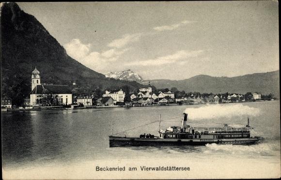 Ak Beckenried Kt. Nidwalden Schweiz, Vierwaldstättersee, Salondampfer Victoria, Blick auf den Ort