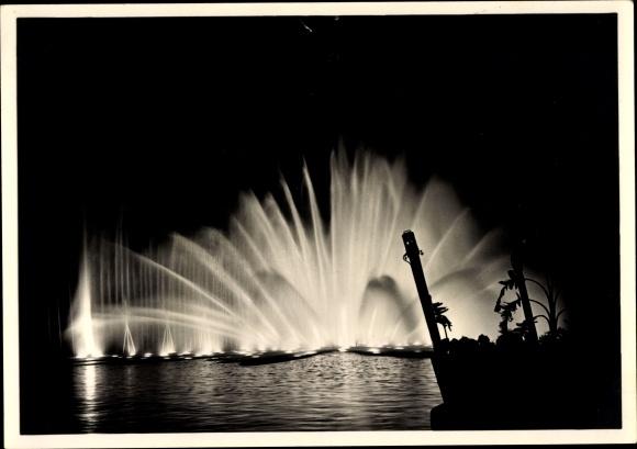Ak Hamburg, Internationale Gartenbauausstellung 1953, Springbrunnen, Nachtbeleuchtung
