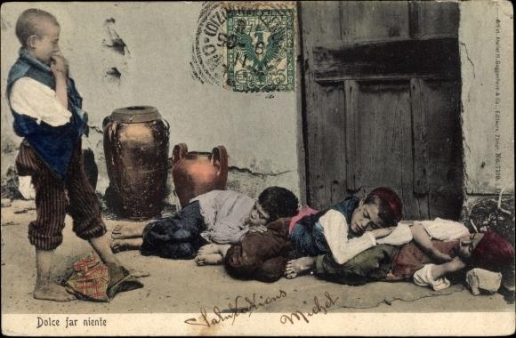 Ak Italien, Dolce far niente, Jungen schlafen auf einer Straße