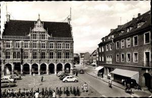 Ak Bocholt im Münsterland, Am Rathaus, Autos, Geschäfte