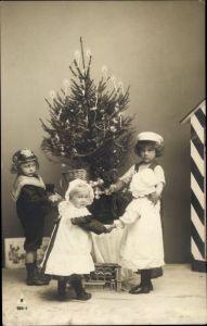 Ak Glückwunsch Weihnachten, Kinder tanzen um den Weihnachtsbaum, PH 964 1