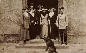 Ak Herzog Ernst August von Braunschweig, Viktoria Luise, Prinzessin Maria Luise von Baden, NPG 5253