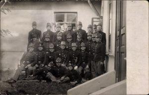 Foto Ak Kuk Soldaten in Uniformen, Gebirgsjägermützen, I. WK