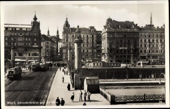 Ak Wien 1. Innere Stadt Österreich, Schwedenbrücke gegen die Stadt, Straßenbahn