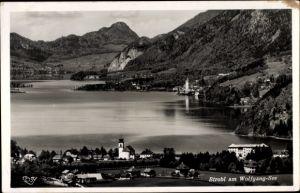 Ak Strobl in Salzburg, Wolfgang See, St. Wolfgang und St. Gilgen im Hintergrund