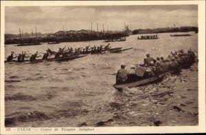 Ak Dakar Senegal, Course de Pirogues Indigenes, Afrikaner in Booten