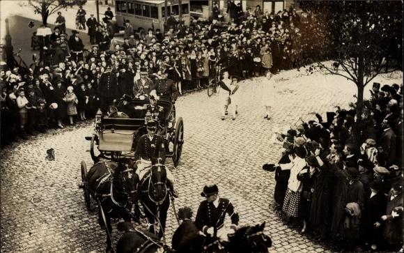 Foto Ak Königin Wilhelmina der Niederlande, Prinz Hendrik der Niederlande, Pferdekutsche
