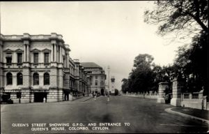 Ak Colombo Ceylon Sri Lanka, Queen's Street shwoing GPO and entrance to Queen's House