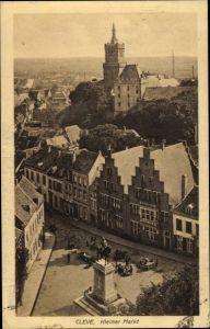 Ak Kleve am Niederrhein, Kleiner Markt, Denkmal, Blick über die Dächer der Stadt