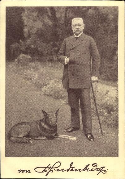 Ak Reichspräsident Paul von Hindenburg, Portrait mit Hund