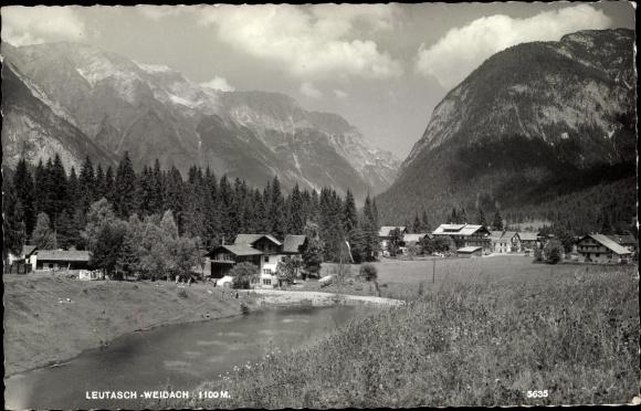 Ak Leutasch Weidach in Tirol, Teilansicht, Fluss, Gebirge