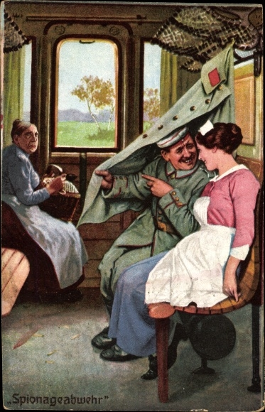 Ak Spionageabwehr, Soldat und Krankenschwester in einem Zugabteil, alte Frau