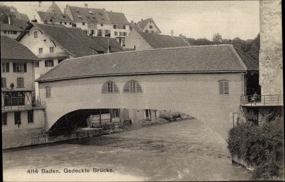 Ak Baden Kt. Aargau Schweiz, Gedeckte Brücke