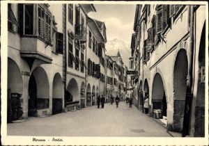 Ak Meran Merano Südtirol, Portici, Straßenpartie in der Stadt, Geschäft O. Waibl