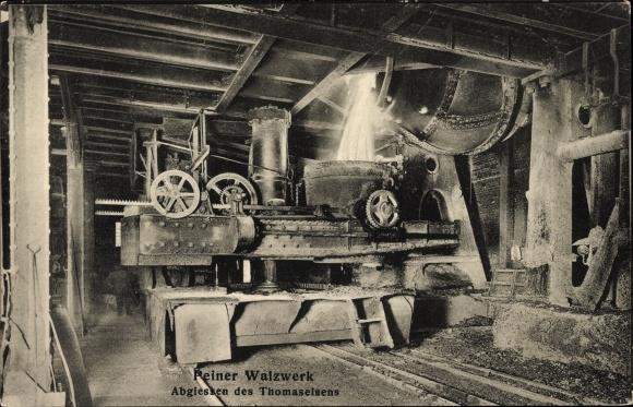 Ak Peine in Niedersachsen, Walzwerk, Abgießen des Thomaseisens