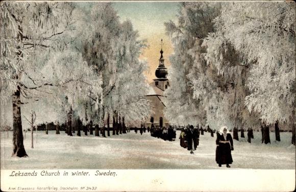Ak Leksand Schweden, Church in Winter, Kirchgang, Anwohner