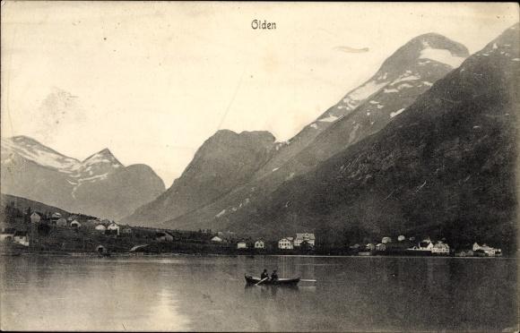 Ak Olden Norwegen, Ruderboot, Ortschaft mit Landschaftsblick