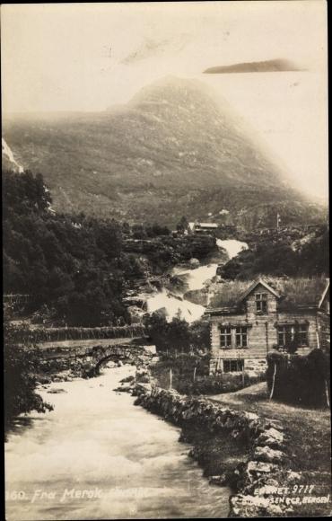 Ak Norwegen, Flusspartie, Steinbrücke, Landschaftspanorama
