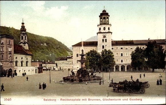 Ak Salzburg in Österreich, Residenzplatz mit Brunnen, Glockenturm und Gaisberg