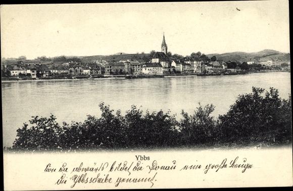 Ak Ybbs an der Donau in Niederösterreich, Panorama vom Ort, Uferpartie