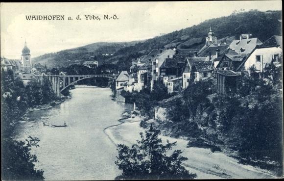 Ak Waidhofen an der Ybbs in Niederösterreich, Panorama vom Ort, Brückenpartie