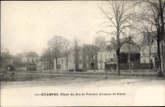 Ak Etampes Essonne, Place du Jeu de Paume, Avenue de Paris